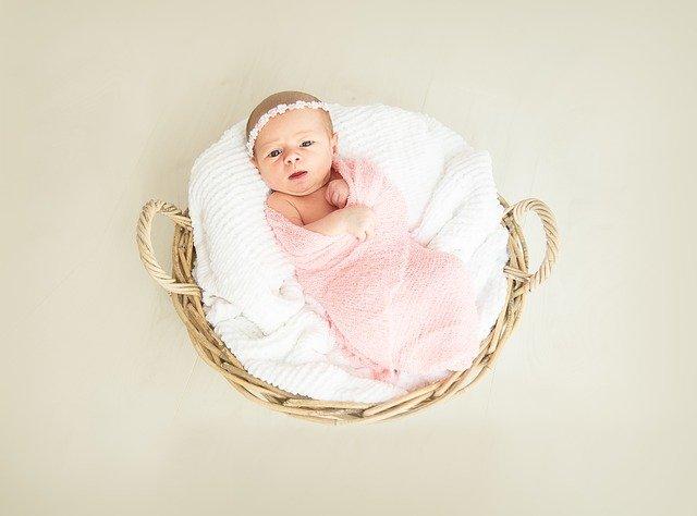 Ilustrasi bayi perempuan (Foto: Pixabay)