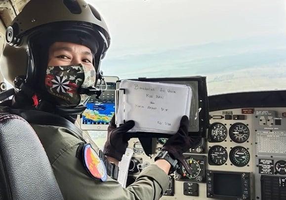 Anak Penjual Jagung Bakar Jadi Pilot Wanita Kebanggaan TNI AD Puspita Ladiba, (Foto: Instagram/puspitaladiba)