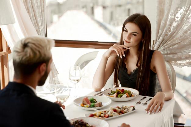 Tips Hadapi Kencan Pertama, Dijamin Bikin Dia Terkesan. Foto: Freepik