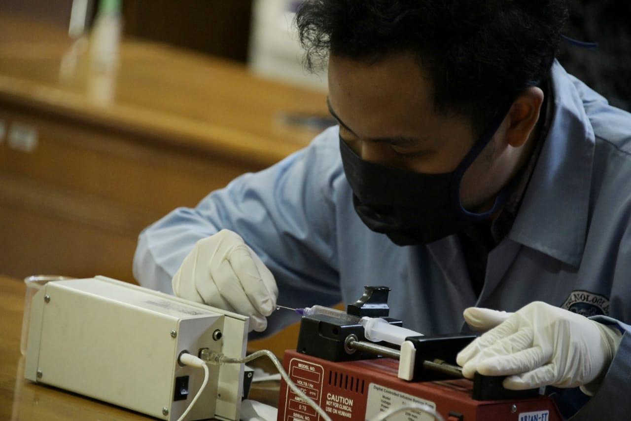 Jawa Barat Perkenalkan Alat Tes Covid-19 Hasil Riset Unpad & ITB. Foto: Humas Jabar