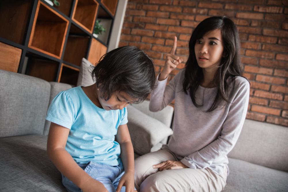 3 Efek Buruk Membandingkan Anak dengan Teman Sepermainannya