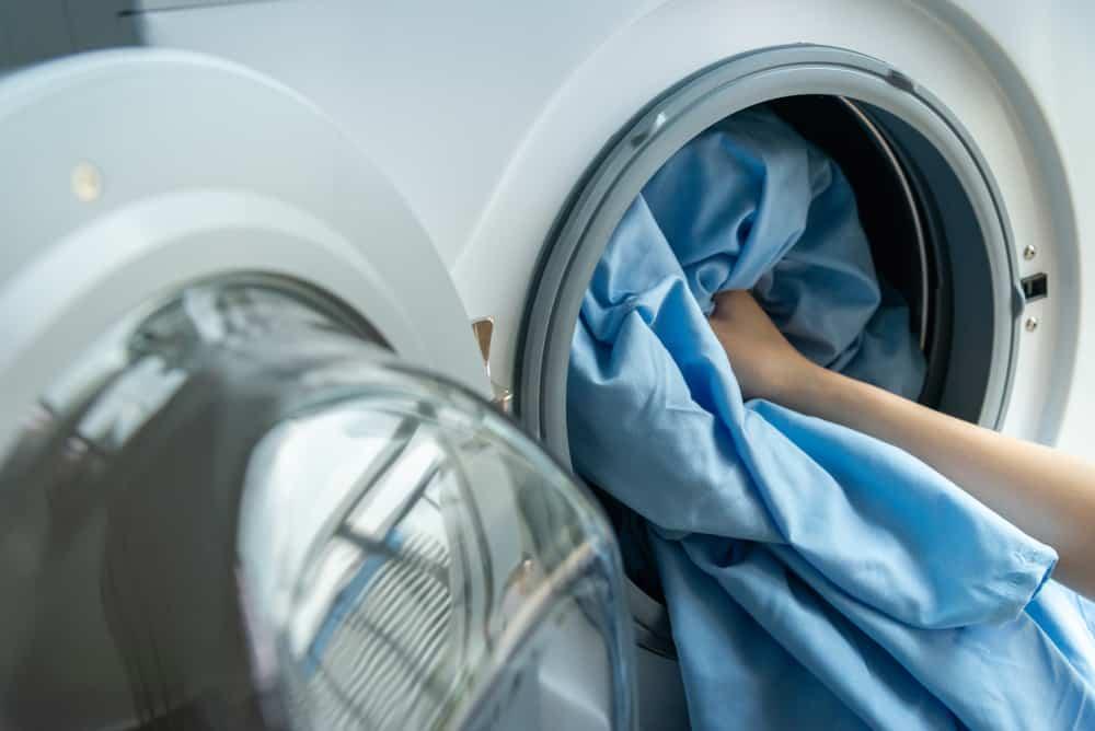Apa Perlu Mencuci Seprai Sebelum Dipakai? Simak Penjelasannya