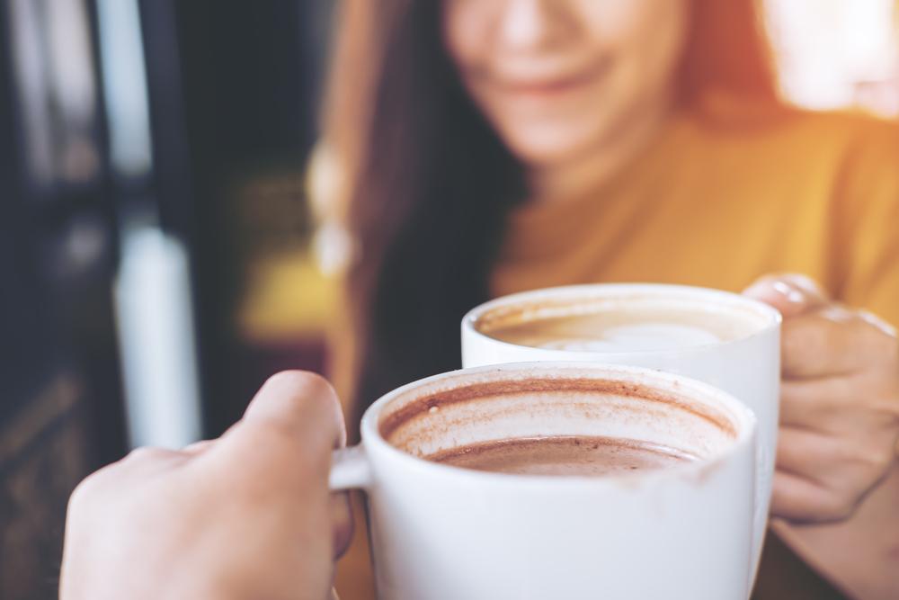 Ilustrasi minum kopi. Foto: shutterstock
