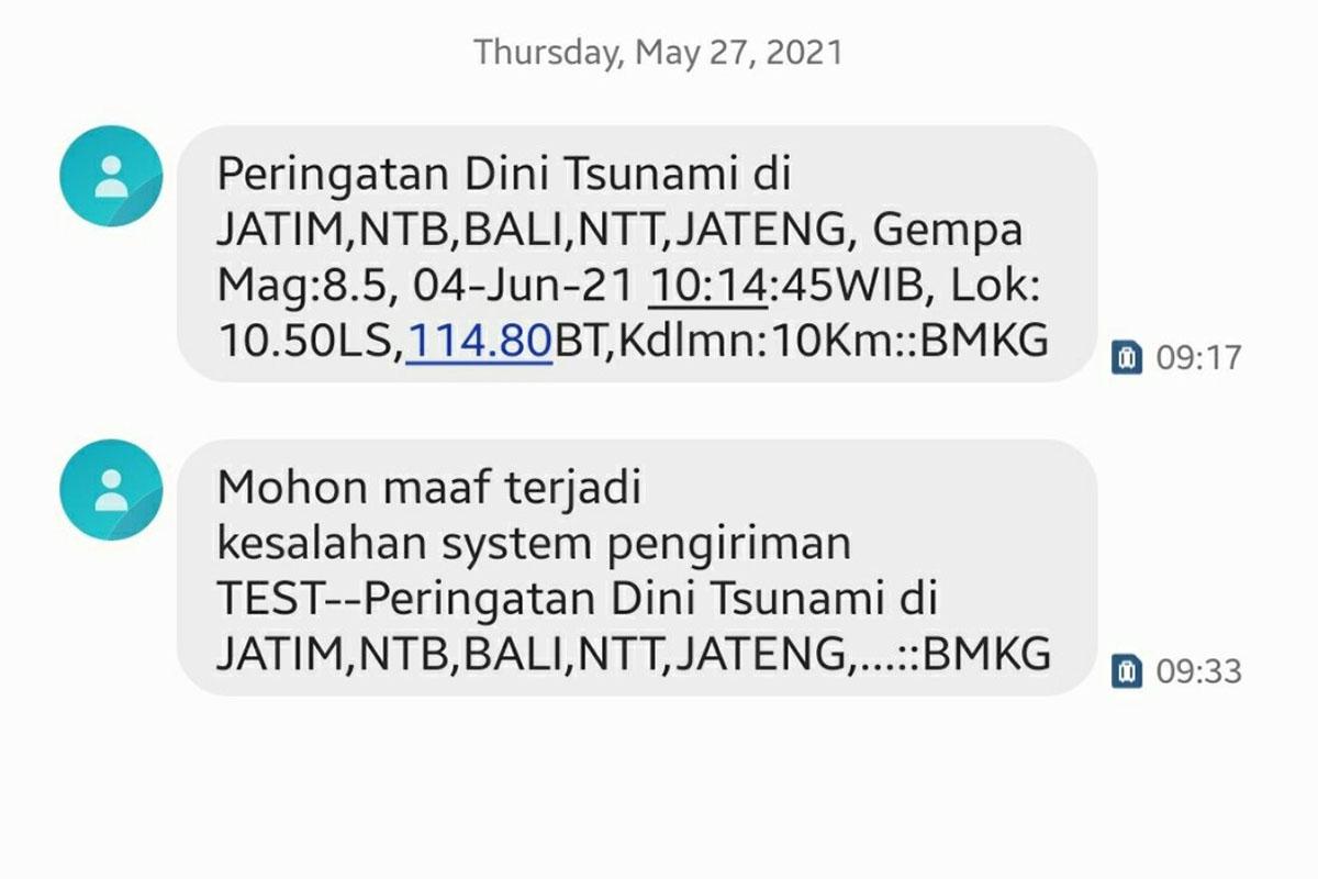 Tangkapan layar SMS Blast gempa dengan kekuatan M8,5 dan berpotensi tsunami.(Foto: Twitter)