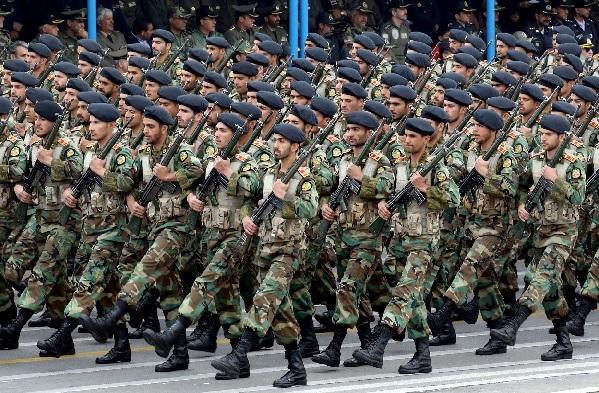 Parade tentara Iran di Tehran pada April 2019. (Foto: AFP)
