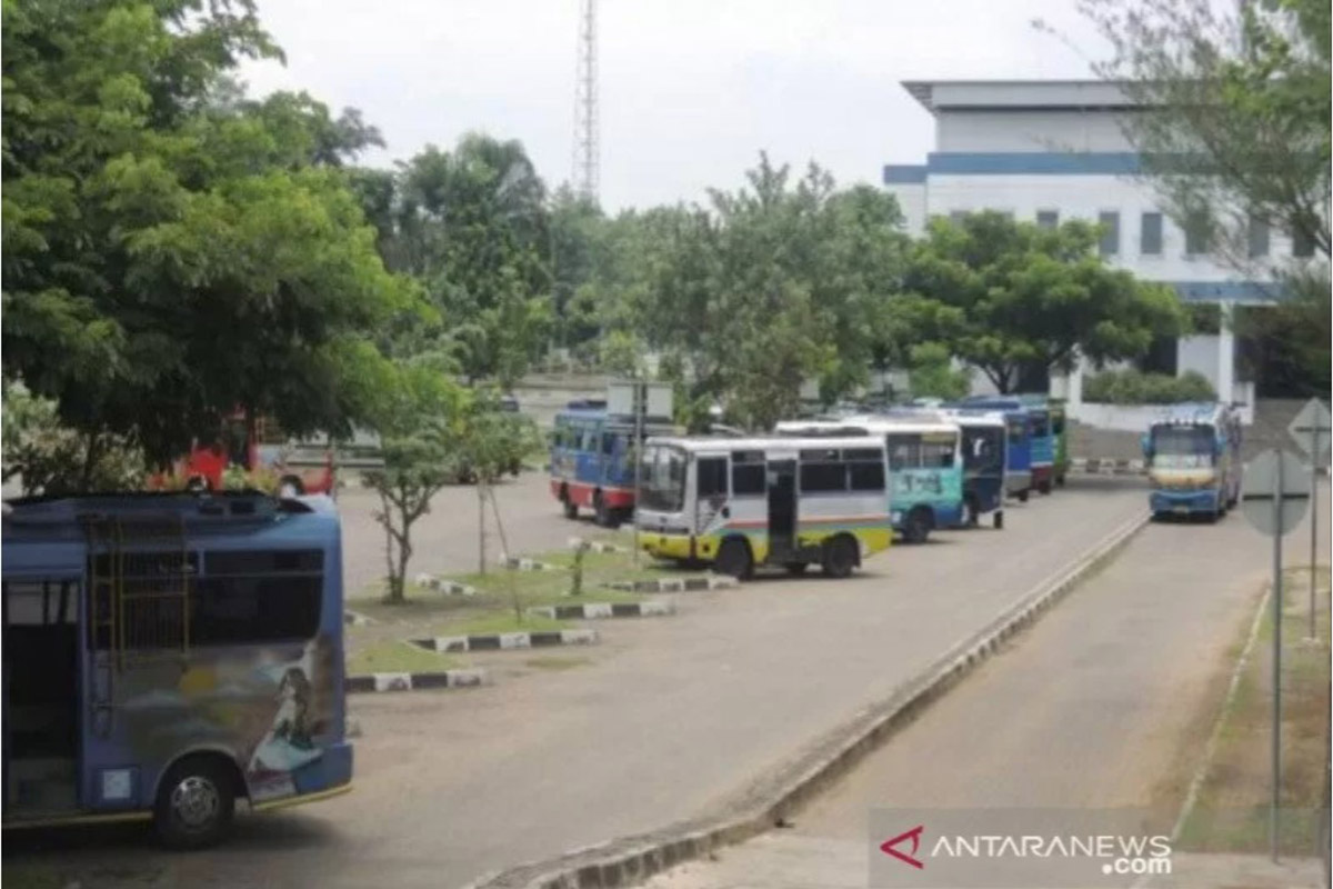 Ilustrasi - Kondisi Terminal Dhagsinarga Wonosari Kabupaten Gunungkidul masih terpantau landai jelang larangan mudik.