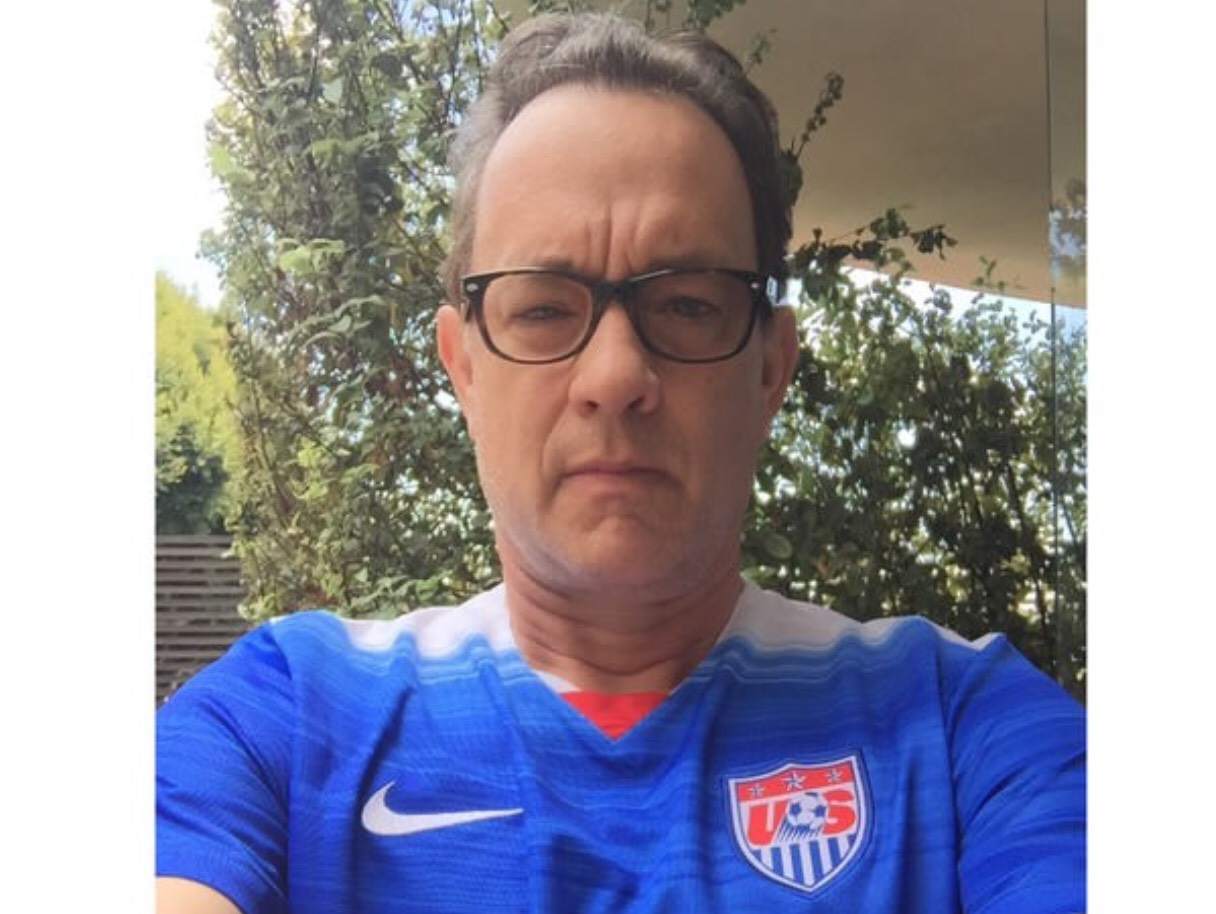 Tuai Protes, Tom Hanks Ngotot Tetap Donasi Plasma Darah