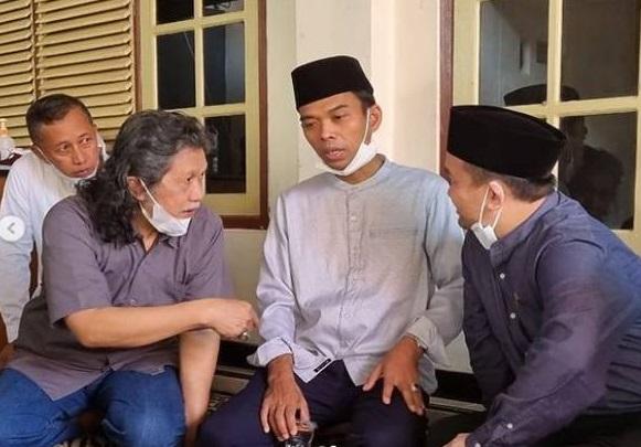 Pakar Top Beber Pertemuan Cak Nun & Ustaz Abdul Somad, Koalisi...(Foto: Instagram/ustadzabdulsomadofficial)