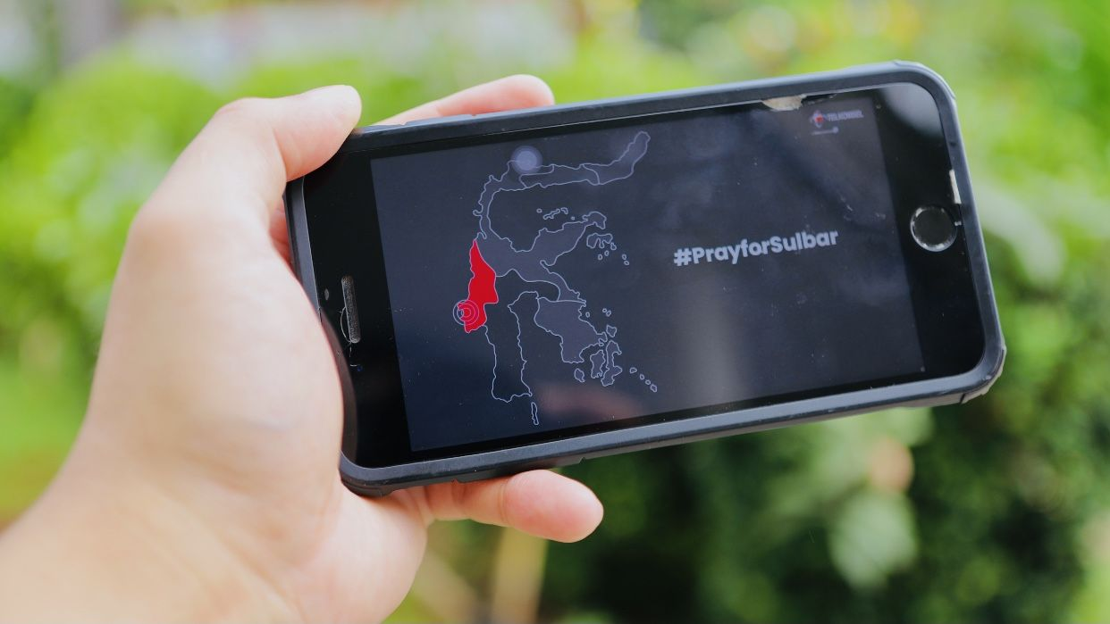 Bebas Biaya Telepon dan SMS Telkomsel untuk Korban Gempa Sulbar