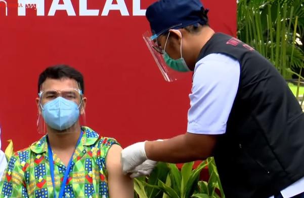 Raffi Ahmad Mengaku Ngantuk dan Pegal Usai Vaksinasi Dosis Kedua