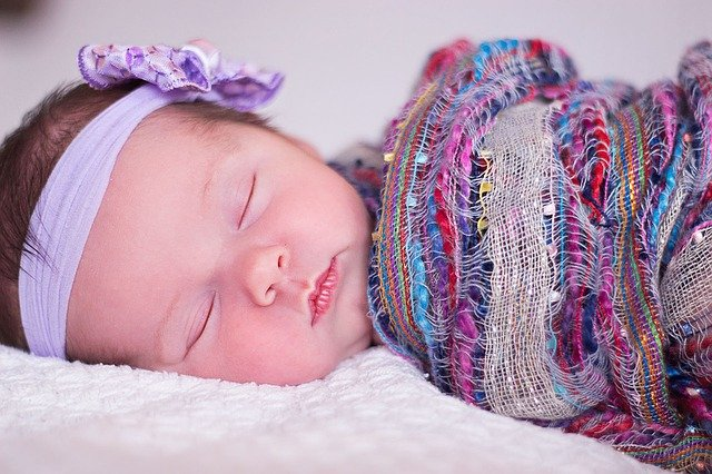 Inspirasi Nama Bayi Perempuan Bermakna Kebenaran