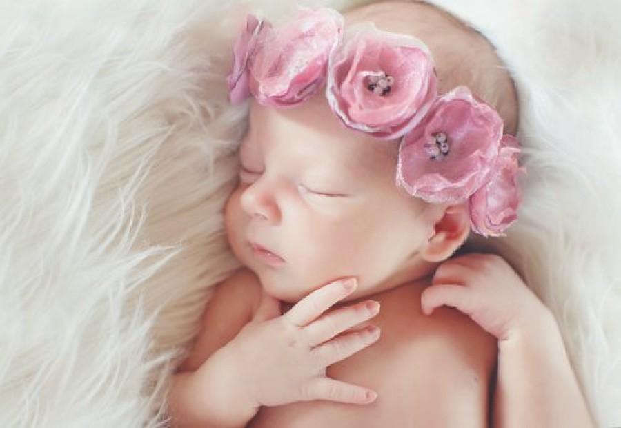 Inspirasi Nama Bayi Perempuan Ciri Khas Negara di Eropa Tengah