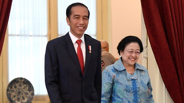 Presiden Jokowi bersama Ketum PDIP Megawati Soekanorputri. Foto: ANTARA/Puspa Perwitasari