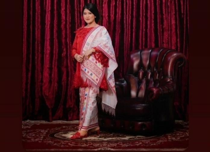 Adu Gaya Busana Dua Wanita Terdekat Presiden Jokowi