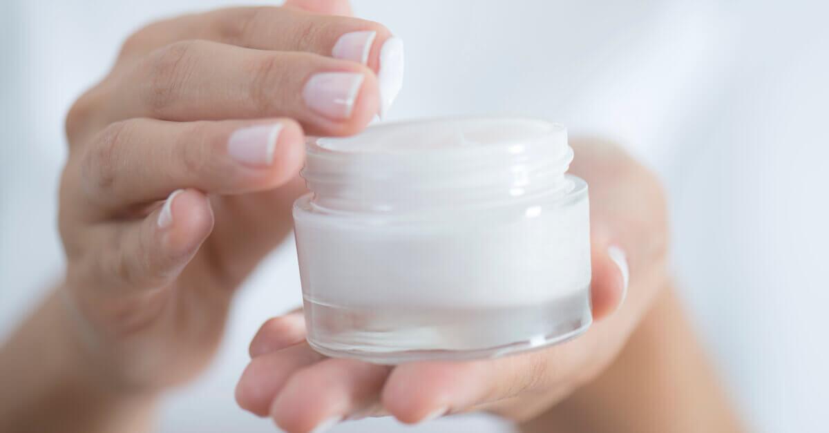 6 Cara Bedakan Krim Wajah Palsu Saat Beli di Toko Kosmetik