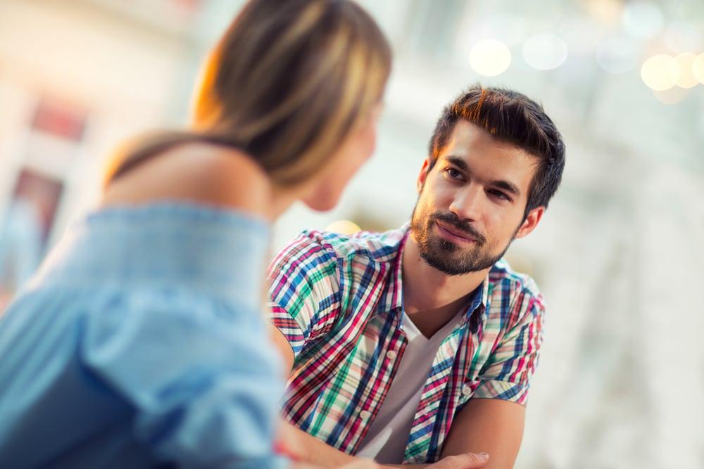 4 Sinyal Seseorang Naksir Padamu, Nomor 1 Bikin Jantung Berdebar