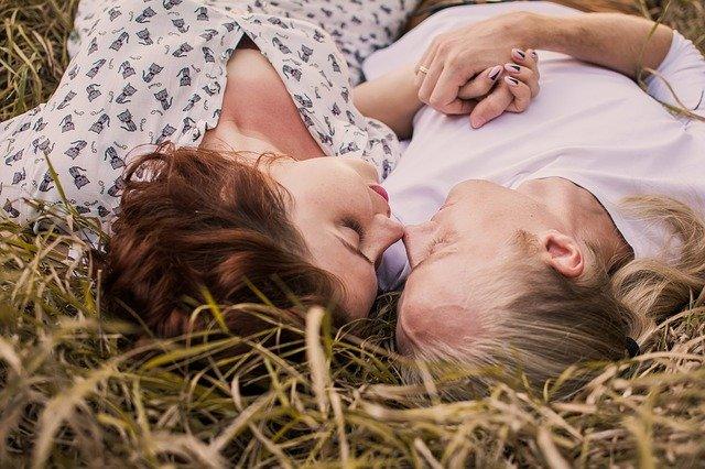 Ilustrasi pasangan romantis. Foto: Pixabay