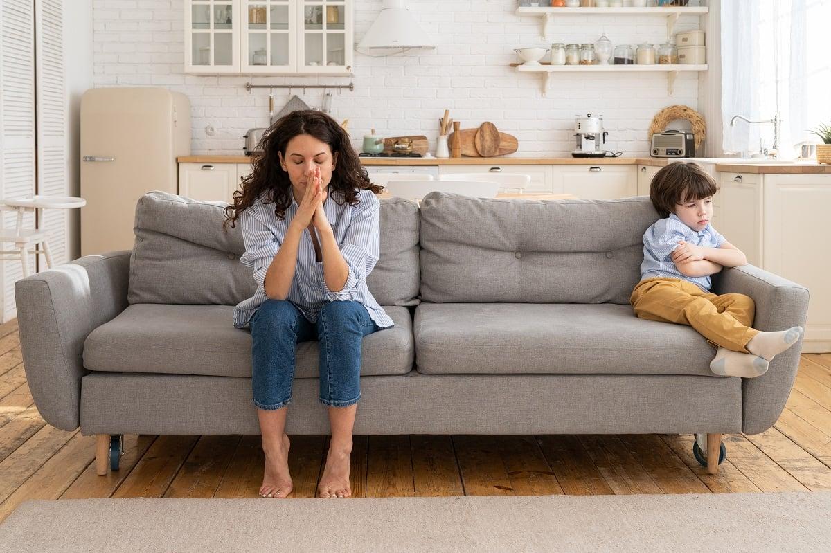 3 Kebiasaan Orang Tua Membuat Anak Menjadi Manja Hingga Dewasa