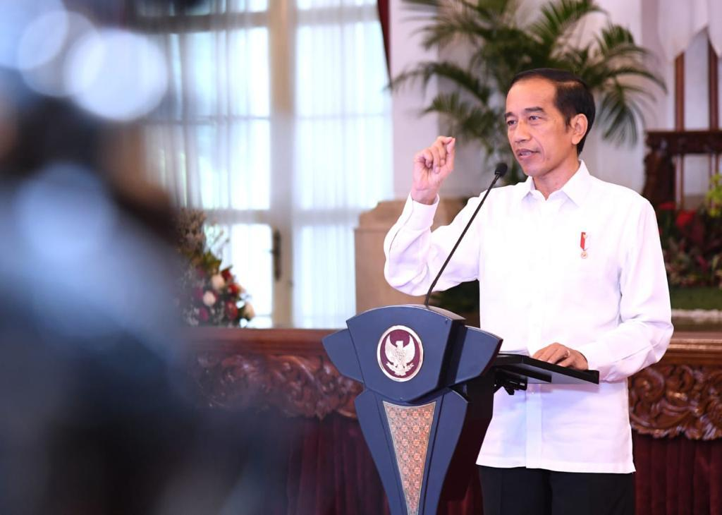 Kabar Gembira, Jokowi Pastikan Bansos dan Insentif Tetap Bergulir