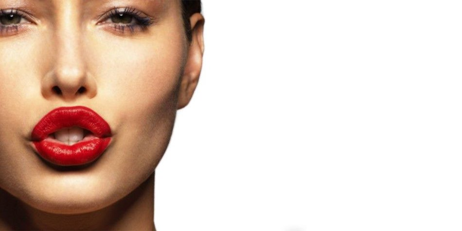 Lipstik Buat Bibir Berkulit Cokelat, Cantiknya Nggak Main-main