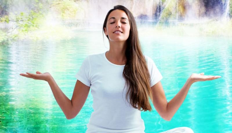 Ilustrasi : melakukan gerakan yoga (sumber : Boldksy)