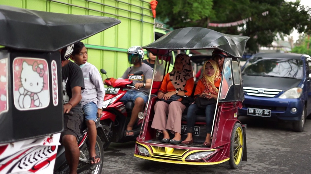 Serunya Berkeliling Gorontalo Dengan Transportasi Andalan