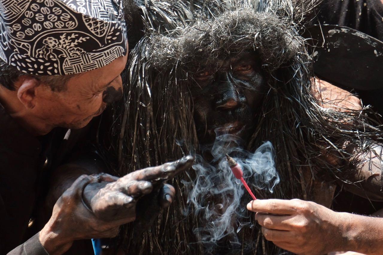 Ada Manusia Kerbau di Banyuwangi