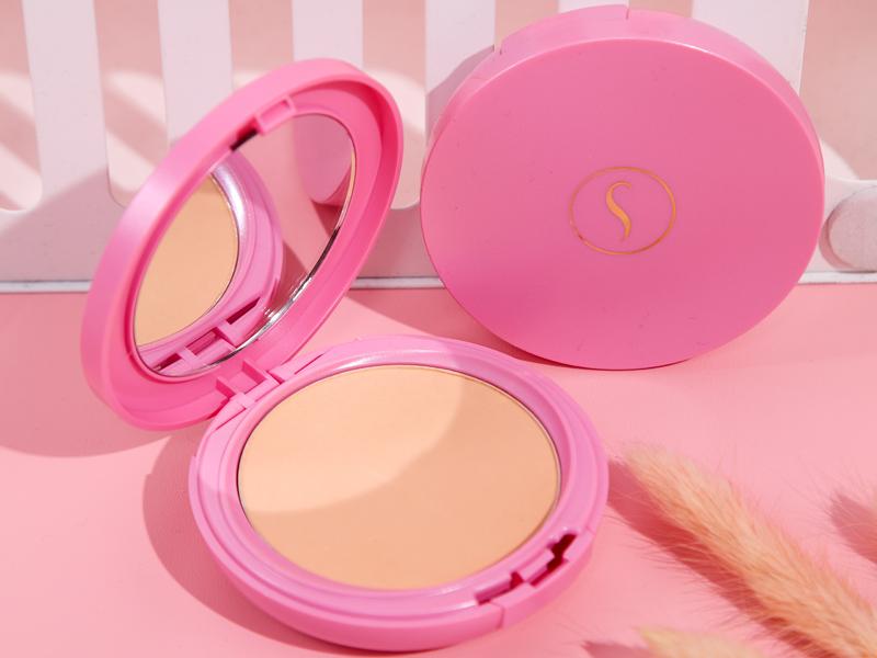 Sarita Beauty menyediakan produk TWC yang mampu menjaga bedak kamu tetap berhatan.