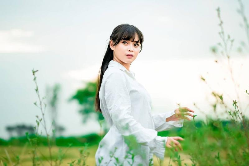 Cita Amelia nyanyikan single terbaru Aku Balik Badan Ninggal Kowe. Sudah bisa disaksikan di YouTube JPNN MUSIK.