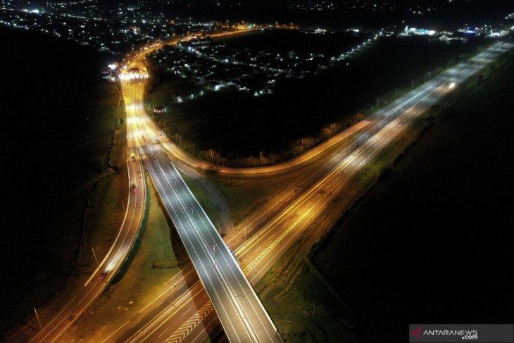 Ilustrasi - Simpang susun Pejagan, Brebes, Jawa Tengah, Kamis (6/5/2021). ANTARA FOTO.