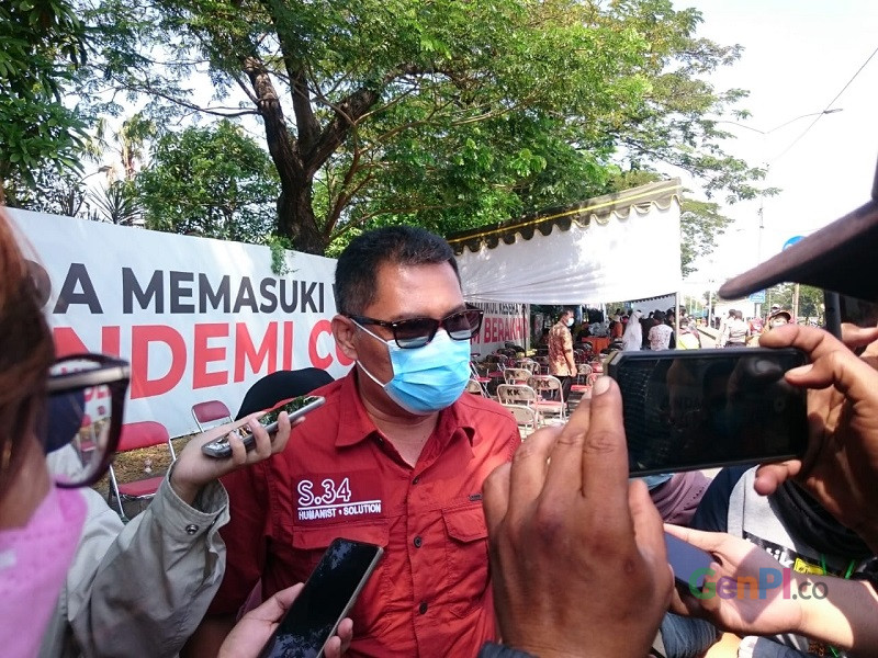 Kepala Satpol PP Kota Surabaya, Eddy Christijanto. Foto : GenPI/Ananto Pradana.