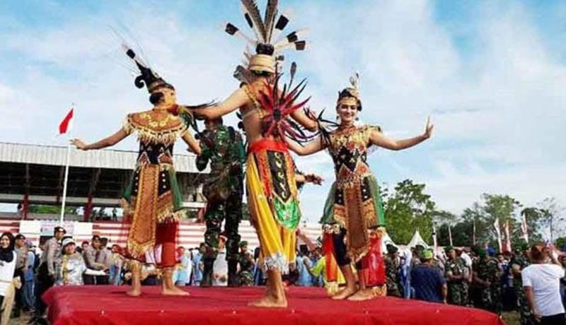Festival Budaya Isen Mulang (Foto: PresidentPost)