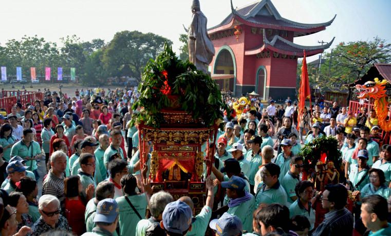 Hasil gambar untuk cheng ho festival