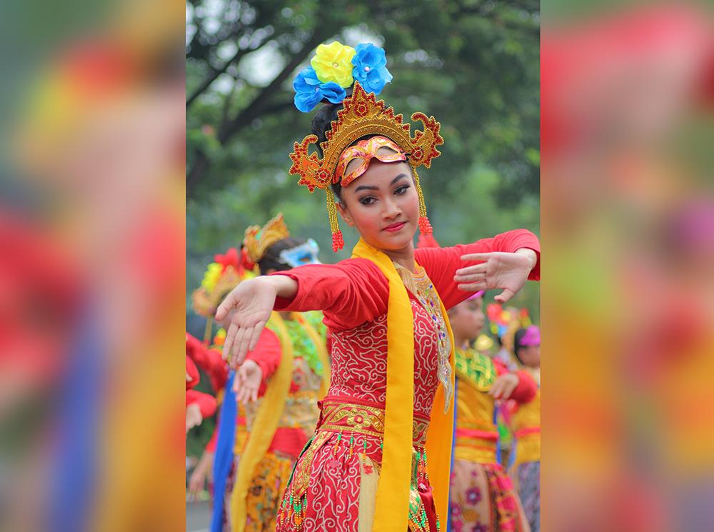 Tarian massal Ronggeng dalam Gema Nusa Patriot (GNP) Art Festival, Minggu (25/11).