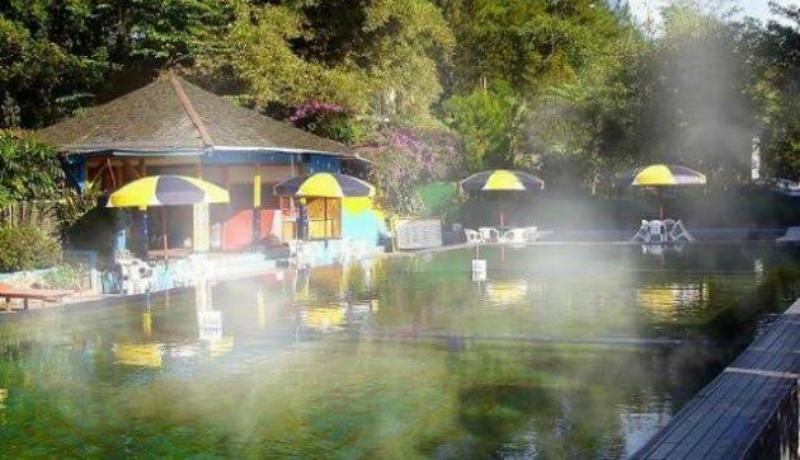 Pemandian air panas Ciracas ( sumber : google)