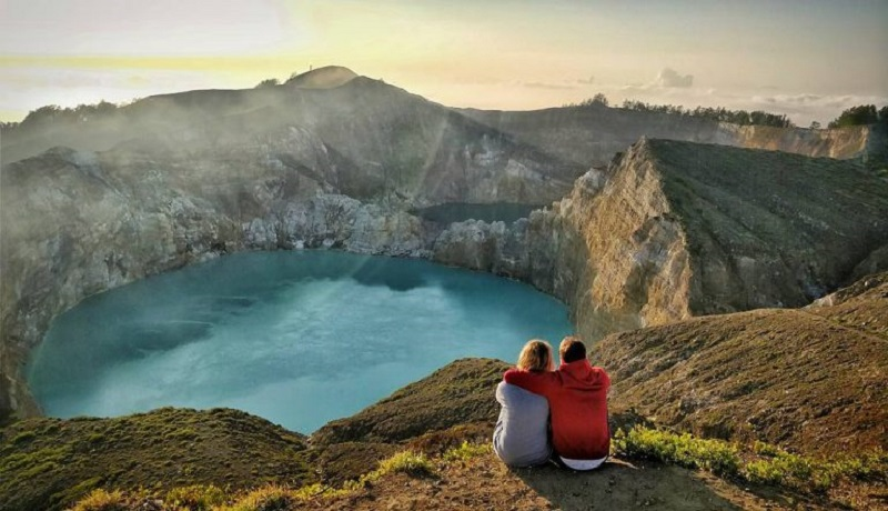 Danau Kelimutu, Flores, Nusa Tenggara Timur.