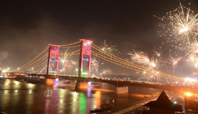 Perayaan tahun baru Jembatan Ampera, Palembang . (ist)