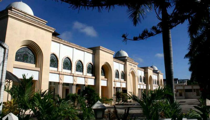 Masjid Baiturrahim Kota Gorontalo yang indah, lokasinya tepat di jantung kota. (Foto RA Azhar)