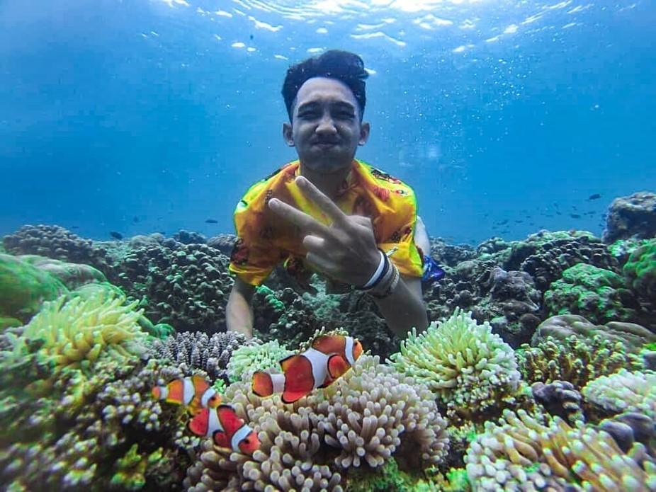 Keseruan menyelam bersama Nemo di Gili Ketapang.