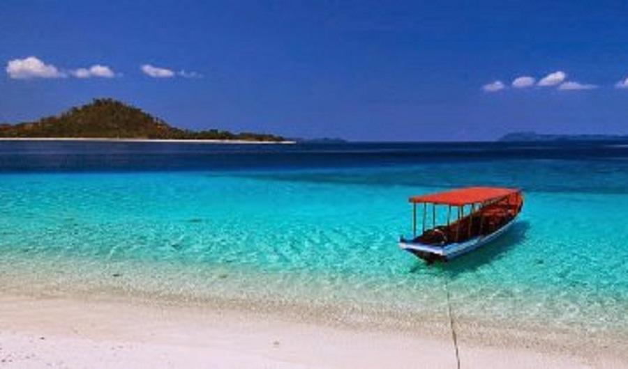 Pemandangan menawan di Pantai Likupang. (Foto: tridAdvisor.co.id)