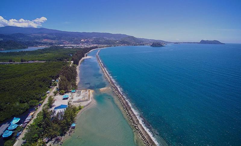 Yuk Intip Cantiknya Teluk Youtefa Di Papua Genpi Co