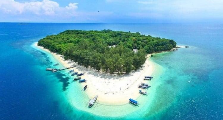 Gili Nanggu, salah satu pulau eksotis di Lombk. (Foto: dolanyuk.com)