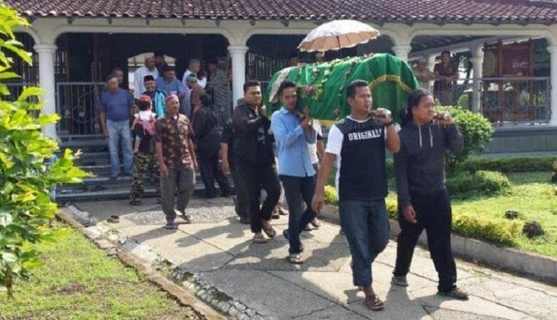 Jenazah petugas KPPS di Aceh meninggal hendak dimakamkan. (ist)