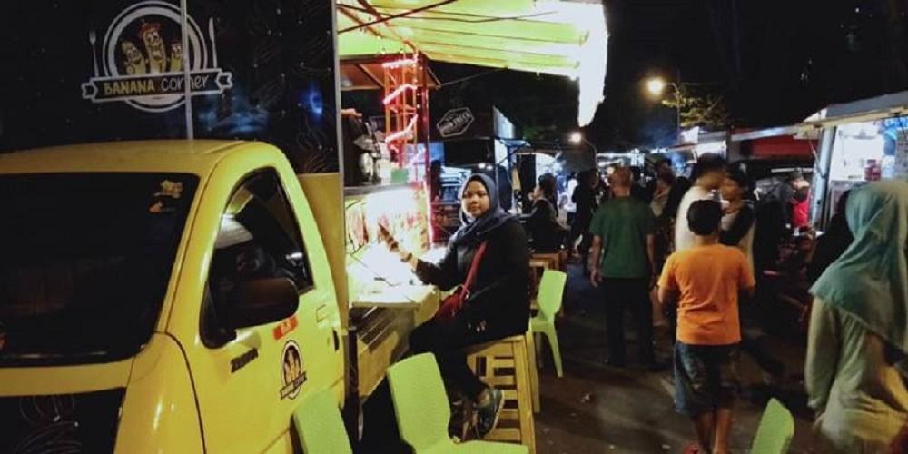 Festival Food Truck pinggir kali di Semaarang bisa jadi tempat tujuan para pencinta kuliner. (Foto: Bisnis.com)