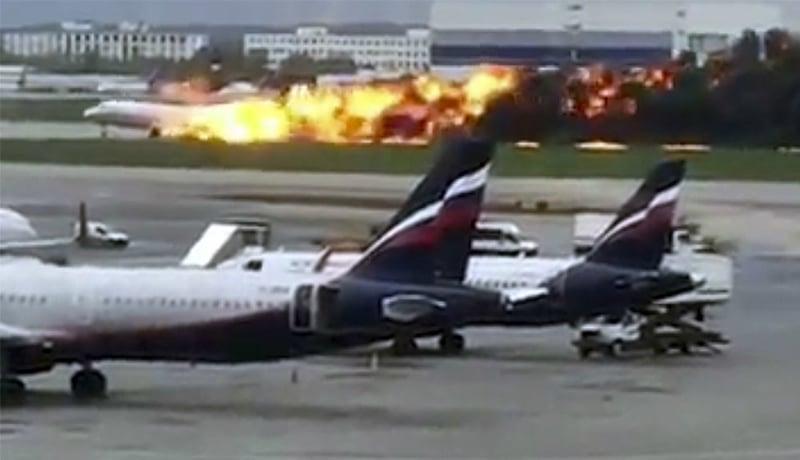 Kecelakaan pesawat Sukhoi Supuerjet-100 di Rusia, di Indonesia dulu juga pernah (Foto : VOA)