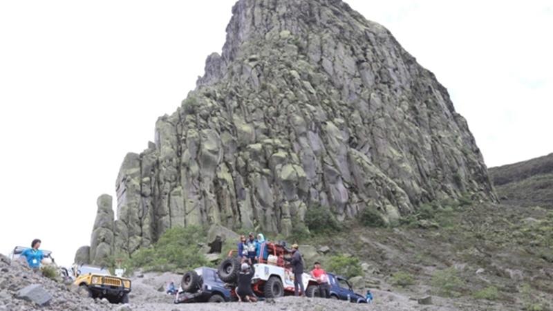 Agen travel asing yang menjadi tamu MITF diboyong ke Gunung Kelud, di Kediri (foto: kedirikab.go.id)