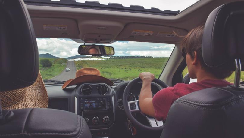 Tiket ludes saat mau mudik? Numpang di mobil orang lain bisa lho dengan aplikasi ini (Foto : Ilustrasi Nebeng/Istimewa)