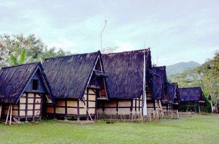 Kampung Budaya Sindang Barang, salah satu tempat wisata yang bisa dikunjungi saat lebaran di Bogor. (Foto: IRADIOFM)