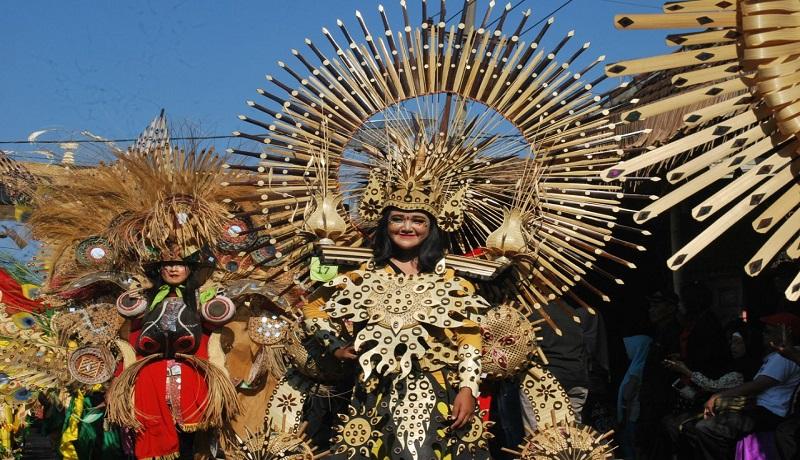 Fashion show kostum bambu meriahkan Festival Bambu di Banyuwangi, Jawa Timur. (ist)