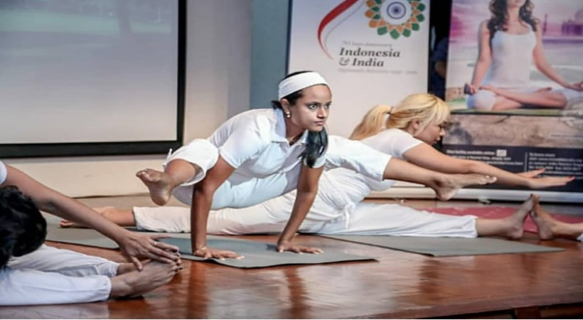 Hari Yoga Internasional diperingati setiap 21 Juni (foto: Kemenpar)